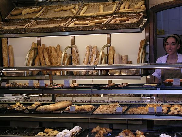 Among the many shops and restaurants in Barcelona, we found this wonderful bakery.