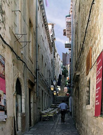A narrow street in Dubrovnik