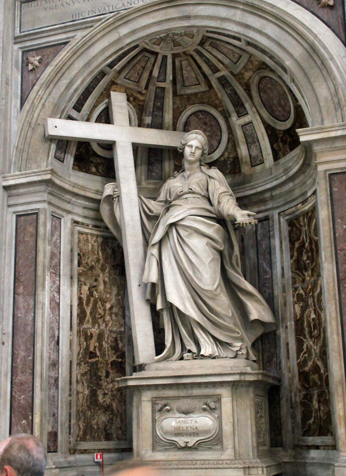 St. Peter's Basilica - Statue