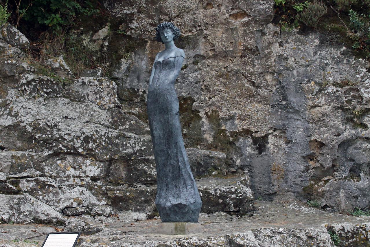 Statue - Eze, France
