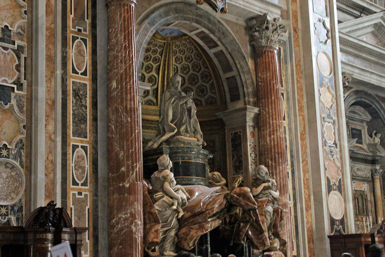 St. Peter's Basilica - Carvings