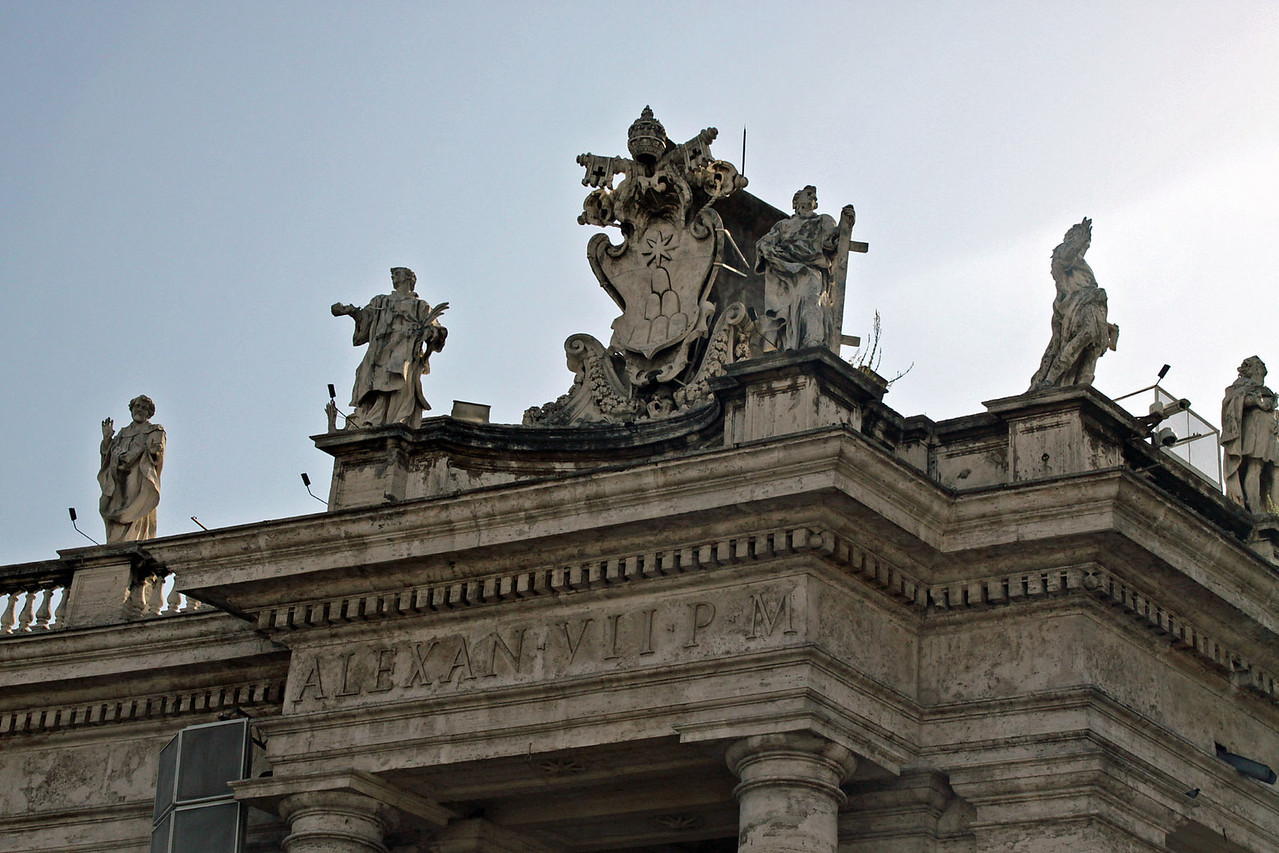 St. Peter's Square - Roof Statues