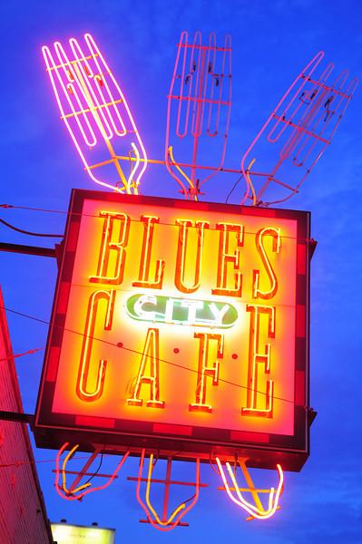 Memphis, Beale St, Blues City Cafe, neon sign