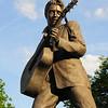 Tennessee Memphis-Statue memorial to Elvis Presley