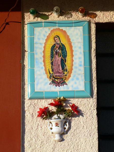 Guadalupe with 3 bulbs