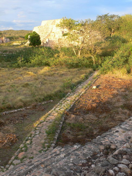 Mayan road system restored at Ruinas Oxkintok