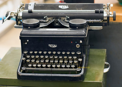 Royal Typewriter 4035