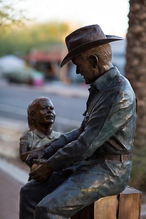 Cowboy Statue girl blur 4203