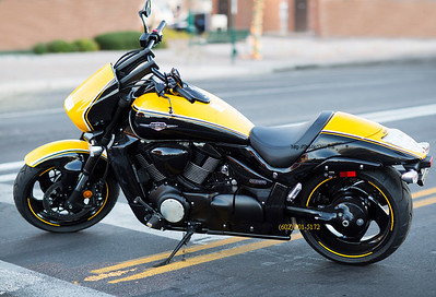 Suzuki motorcycle yellow BK 4219