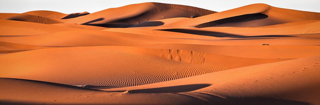 Sunrise over the Sahara desert