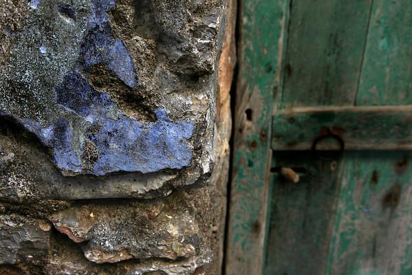 Mesta, Chios, wall colors