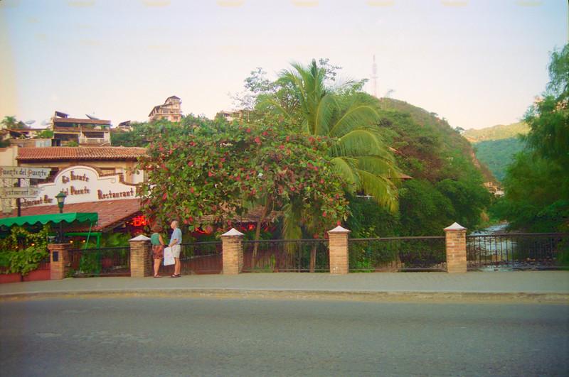 La Fuente del Puente Restaurant