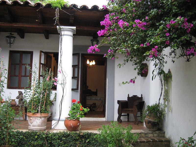Courtyard of Hotel Casa Felipe Flores in San Cristóbal de las Casas