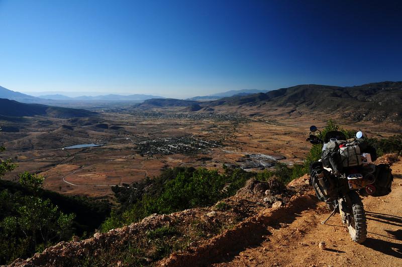 Road to Hirve el Agua, SE of Oaxaca