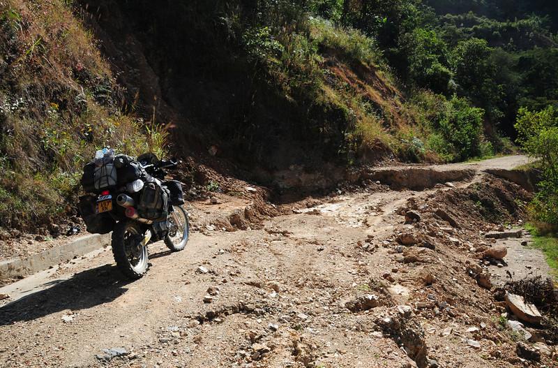 1st 'stopper' on the 'Road to Nowhere',  Sierra Madre de Oaxaca (?)