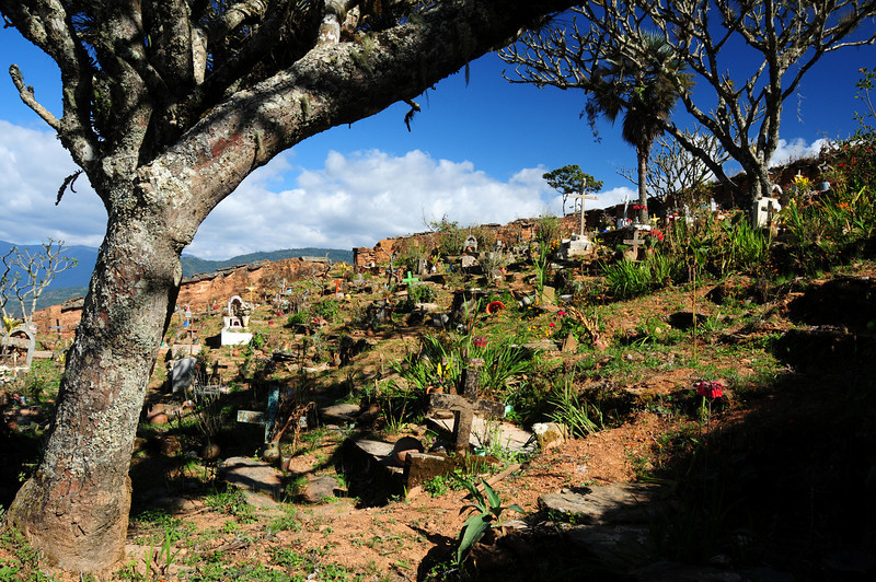 Graveyard above Santo Domingo Yojovi(?), Sierra Madre de Oaxaca (?)