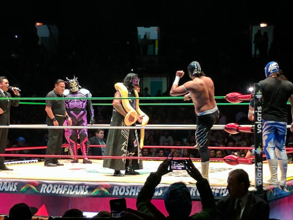 Lucha Libre at Arena México