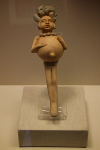 Mayan clay figure, 600-900 AD. Person with ascites likely due to protein deficiency.