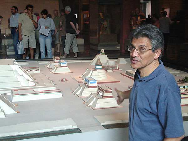 Chucho telling us about the history of Mexico City, in front of the museum's model of the central ceremonial district of Tenochtitlan.