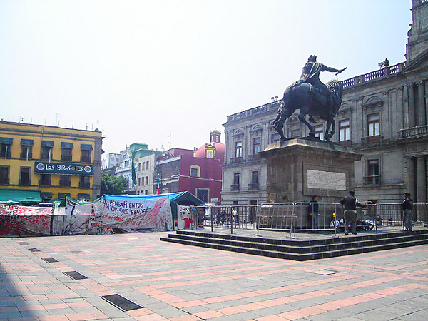 Statute in front of Museo Nacional de las Artes, and an encampment of protesting campesinos from Vera Cruz.