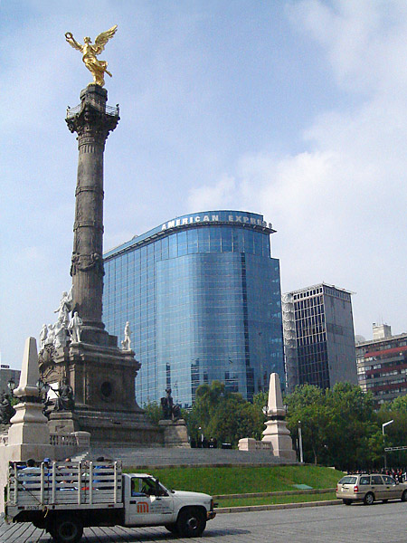 Plaza of the Angel of Independence, on Paseo de la Reforma.