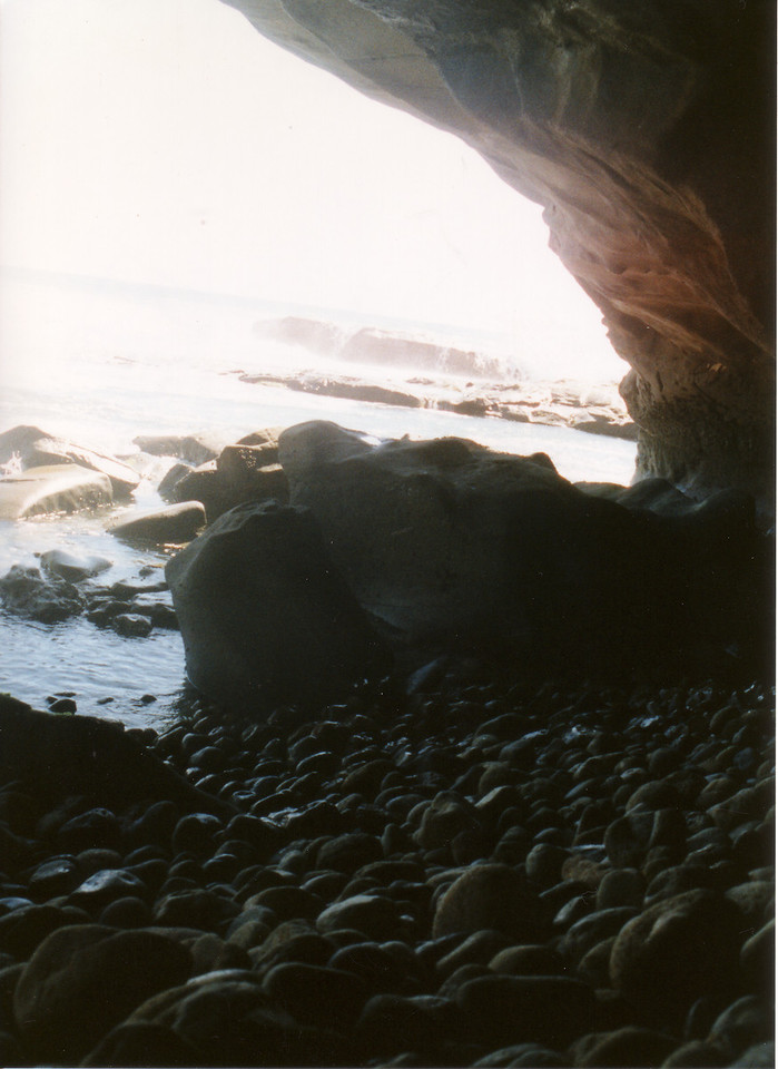 LG98-cave view 2