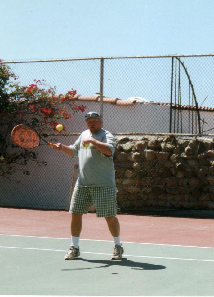 LG98-Ron tennis