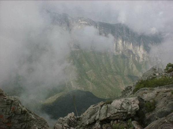 Garza Garcia, NL - Desde la cima de la M.