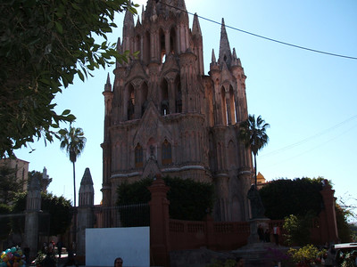La Parroquia de San Miguel Arcangel (San Miguel Arcangel Parish).   This spectacular church was built at the beginning of the 18th Century. Its neogothic facade was erected by the famous master stone-mason Zeferino Gutierrez.