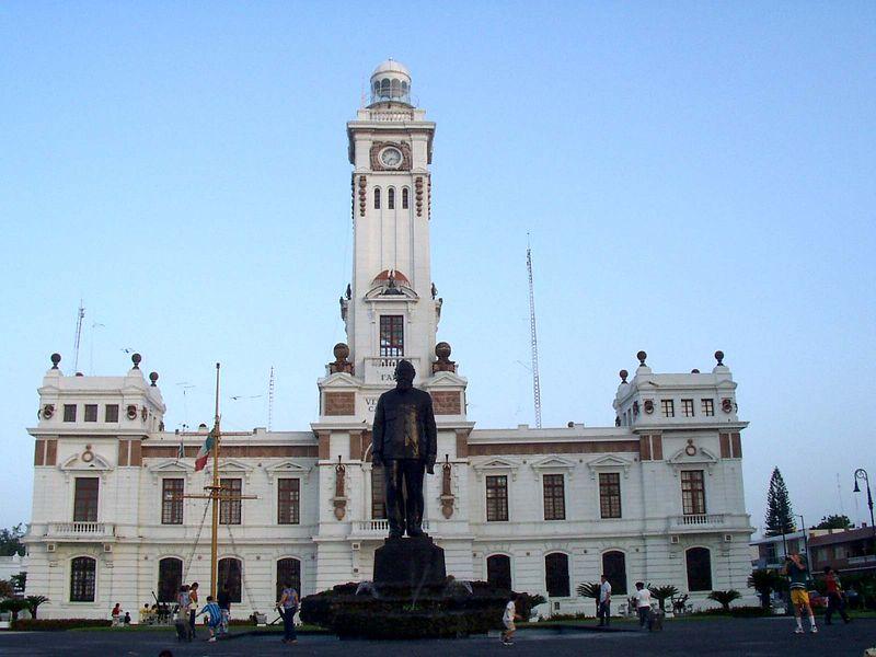 """El faro """"Venustiano Carranza"""", Veracruz, al fin del dia."""