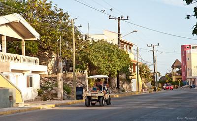 как оказалось, это самый популярный вид транспорта на острове