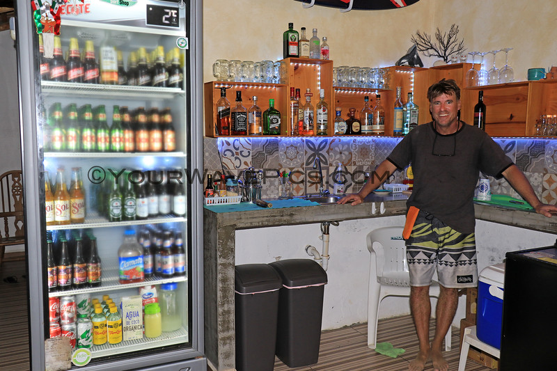 2019-11-09_120_San Pedrito Beach Bar_Andy Keller.JPG