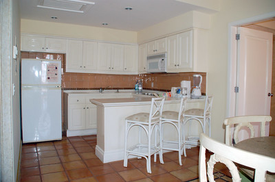 Kitchen area full equippped