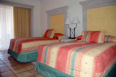 Second bedroom with two queen size beds