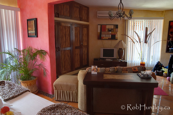 One of the 2nd floor guestrooms at Casa Candiles, Ixtapa, Mexico © Rob Huntley