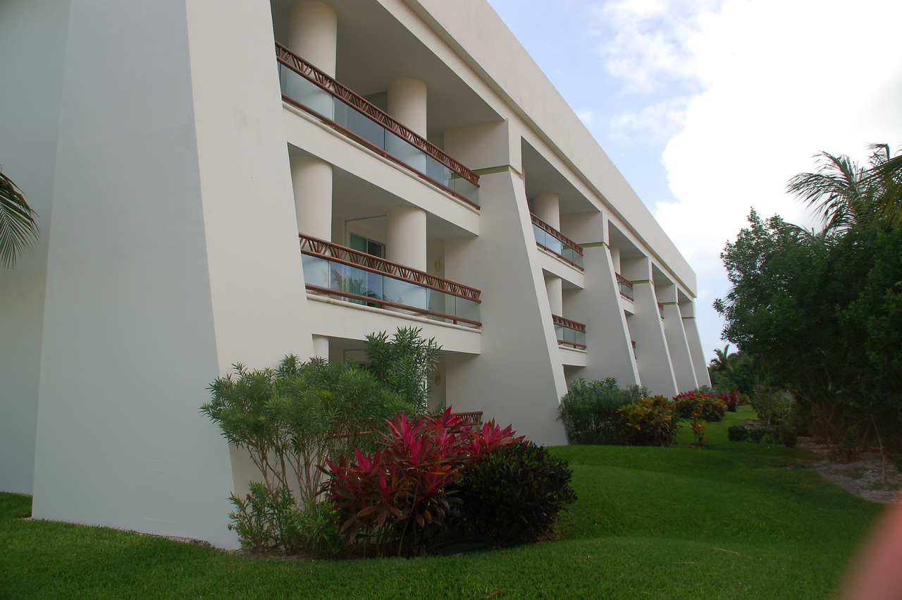 Building 5 near the private pool