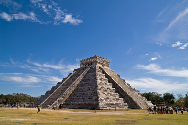 El Castillo (the castle) - Temple of Kukulkan, Chichén Itzá, Yucatán, Mexico
