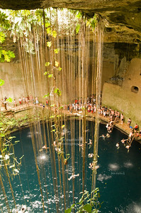 Cenote Ik Kil - Sinkhole near Chichén Itzá, Yucatán, Mexico