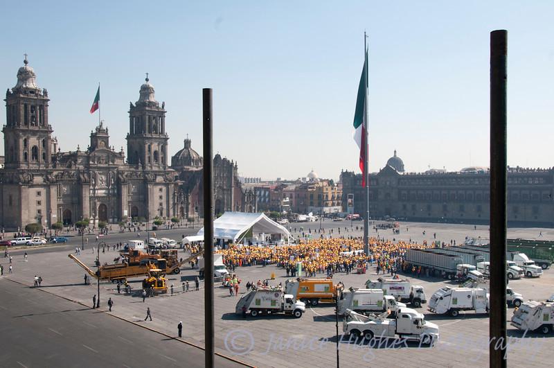 Recycling presentation at Zocolo Plaza, Mexico City