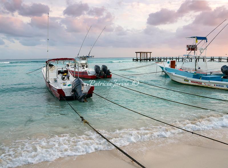 Boats beach 02487