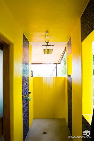 i LOVE a good outdoor showr