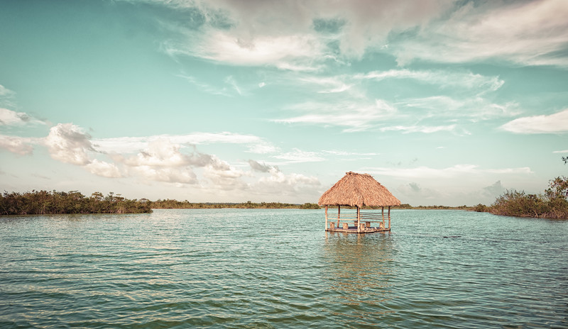 Lonely Palapa in Bacalar