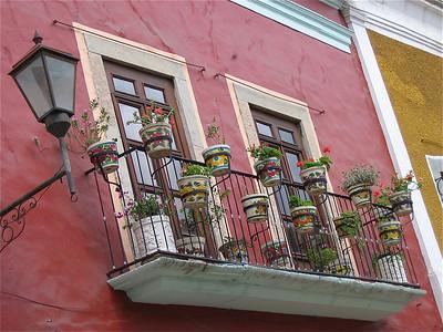 Nog meer Mexicaanse bloempotjes. Guanajuato, Mexico.