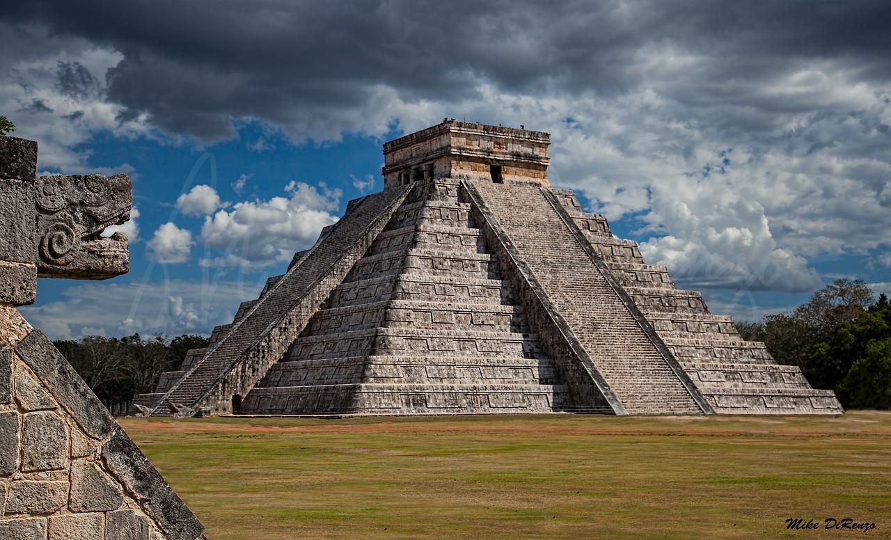 Chichen Itza Pyramid 8863 w35
