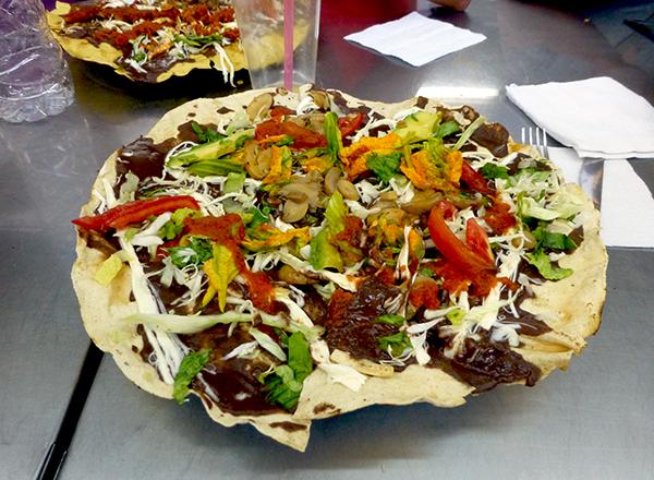 Tlayuda - Eat in Mexico