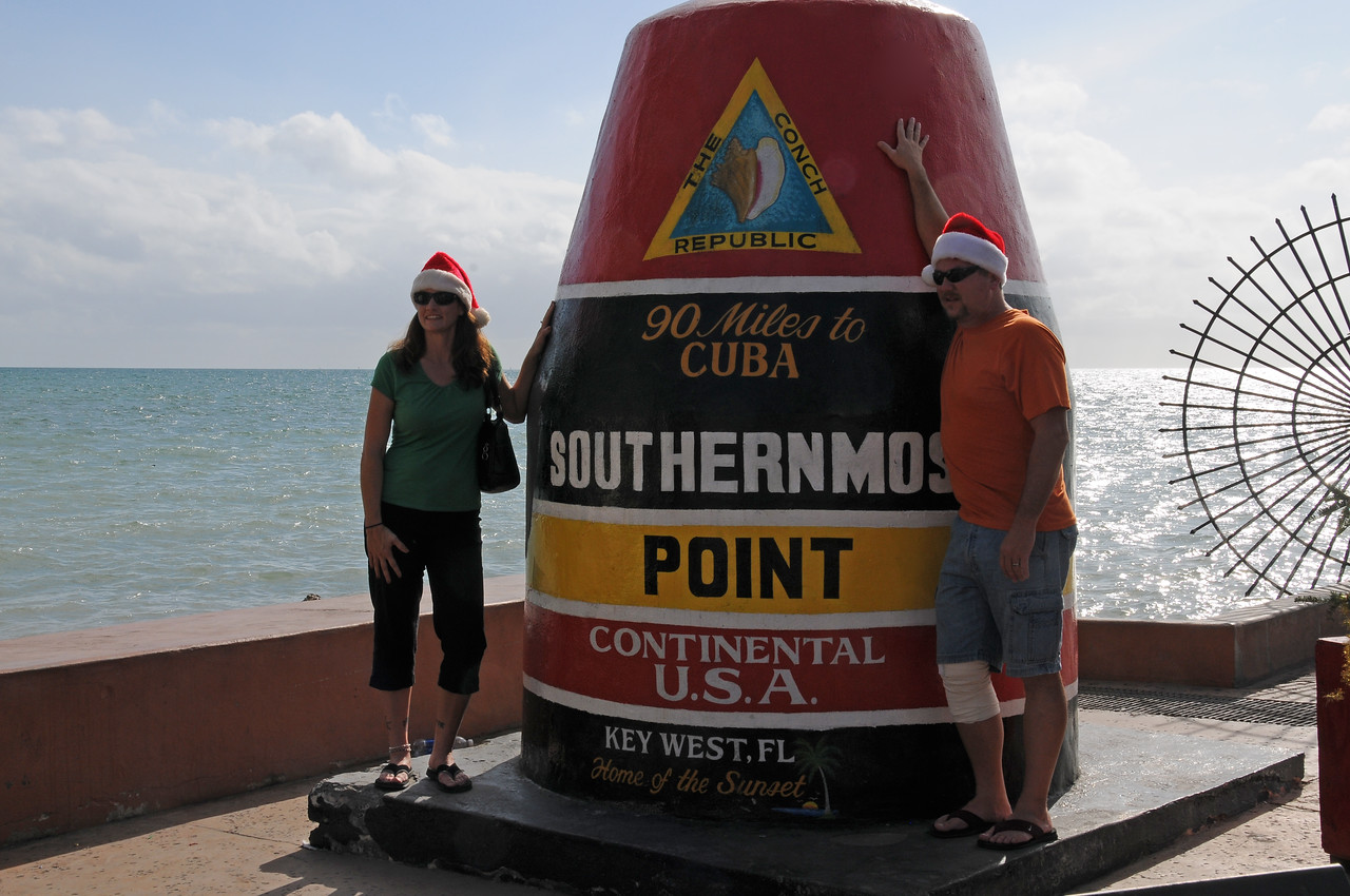 Approximately 50 people were in line for the opportunity to pose with this marker!  Key West, Florida - December 2012