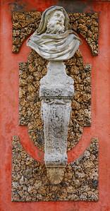 Unknown but striking sculpture