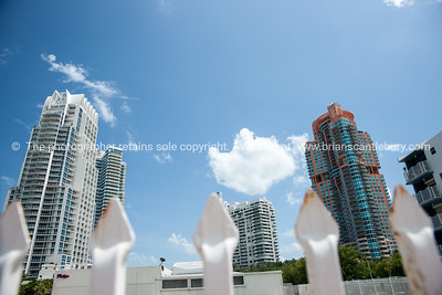 South Beach, Miami, prints and downloads. Art deco, buildings and street scenes.