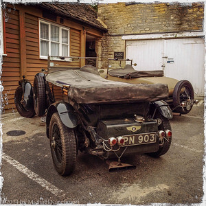 We stayed at the Bull at Burford, and here are two 1930s Bentley convertibles we saw at its Car Park. They were gone after a single day (May, 2014).