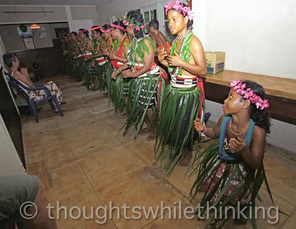 Micronesia 2007 : cultural dance, Ulithi Adventure Resort, Falalop Island IMG209
